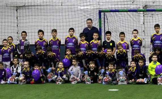 Deda Mraz posetio FK Viktorija Star
